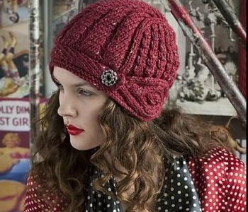Шапочка-шлем из журнала Vogue Knitting