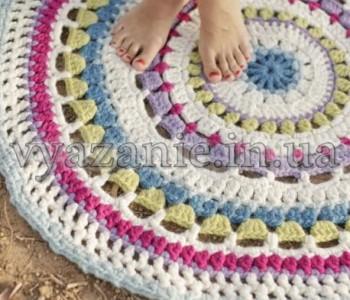Полосатый круглый коврик крючком
