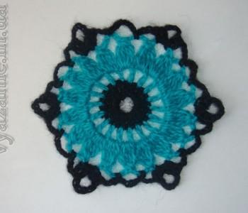 Шестиугольный мотив с цветком