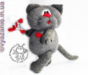 Игрушка спицами «Влюбленный кот»