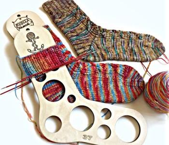 Носки спицами с пяткой «Бумеранг»