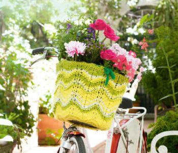 Вязаный чехол для велосипедной корзины